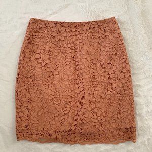 H&M peach colored lacey skirt Size 6 NWT